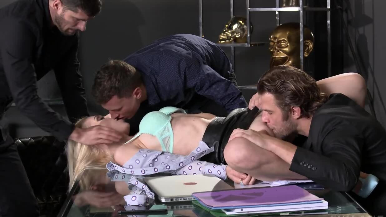 Blonde Czech secretary punished by sex with double penetr...